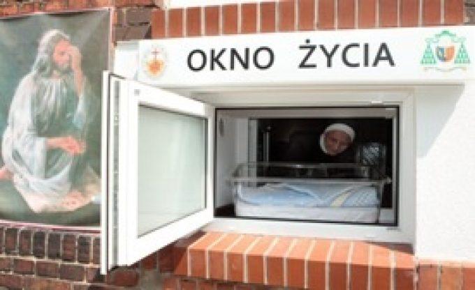 Okno życia w Kutnie